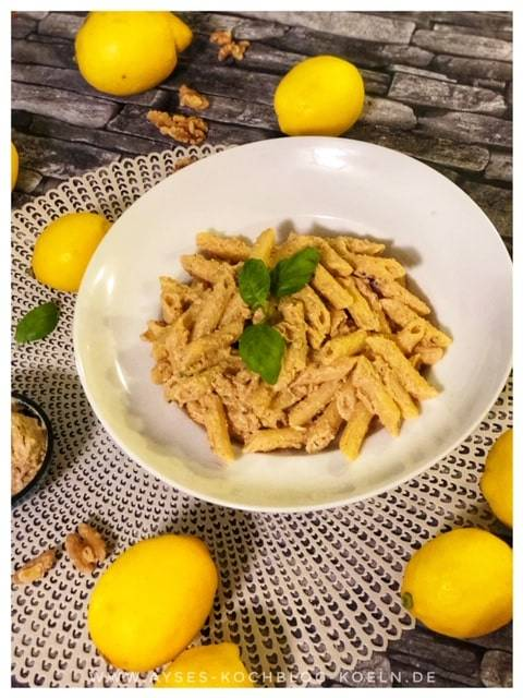 Pasta mit Ricotta-Walnuss-Pesto