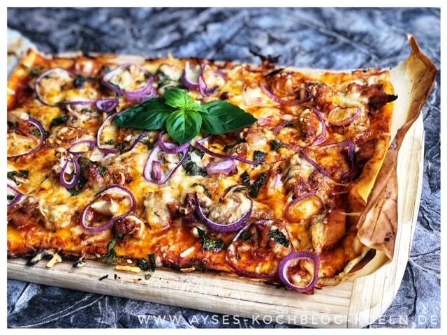 Pizza mit Hähnchen
