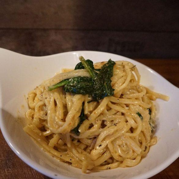 Pasta mit Spinat und Parmesan