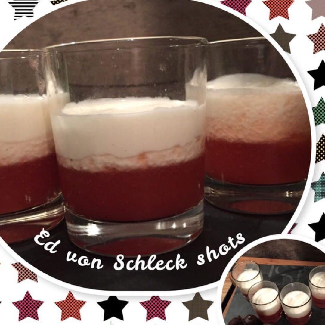 Cocktail mit Erdbeer und Vanille Wodka