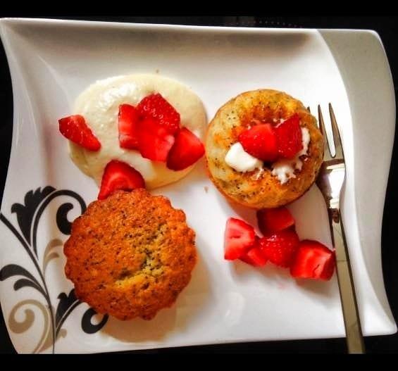 Vanille-Mohn-Muffins mit Erdbeere