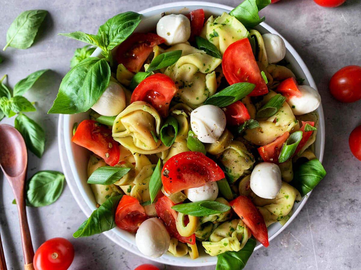 Tortellinisalat mit Pesto einfach